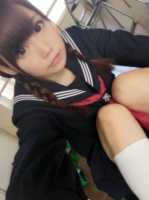 グラドル・塚本舞の卒業式セーラー服ショットに「アイドルは卒業しないでね」の声!【写真2枚あり】