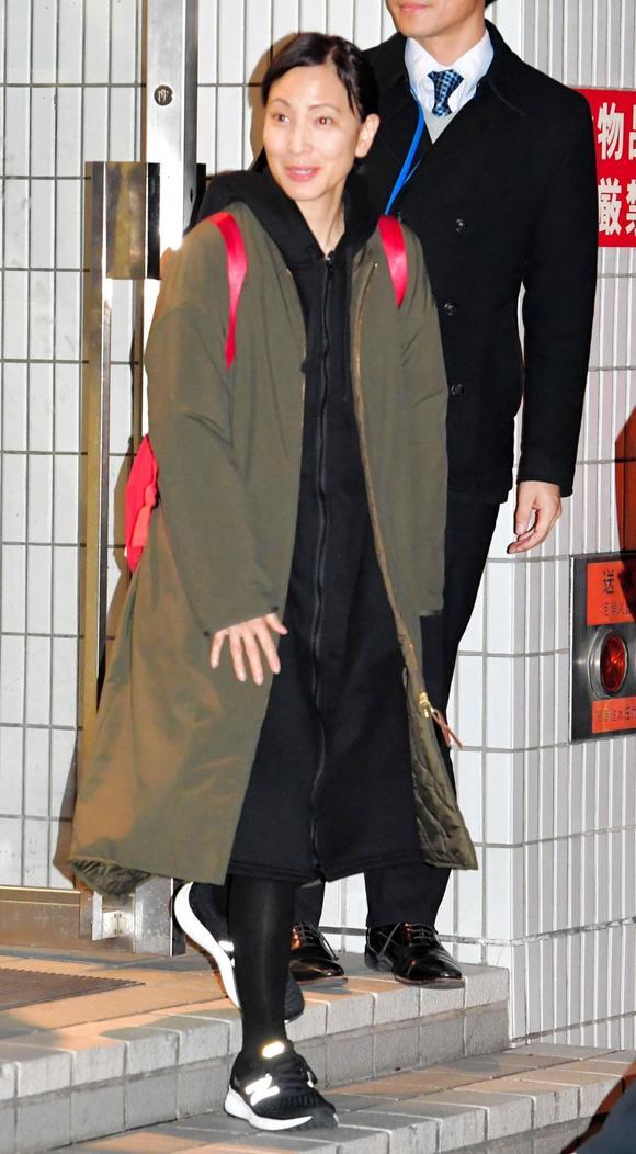 「鈴木杏樹が不倫妻役舞台後に謝罪「お騒がせして」」の画像検索結果