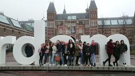 外国人に人気のアムステルダム、地元民はうんざり(字幕・5日)