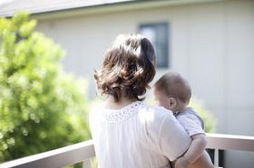 2人に1人のママが「ワンオペ育児をしている」 - 夫婦の育児時間の差は?