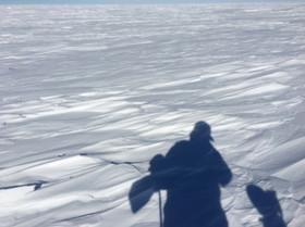【南極冒険20日目】すでに300kmを踏破 / 荷物も約25kg減でさらに加速するか?