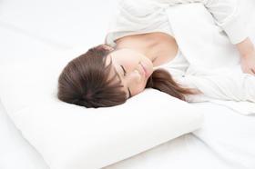 深い睡眠で夏のお疲れボディを立て直す!  医師がすすめる「ぐっすりストレッチ」とは?